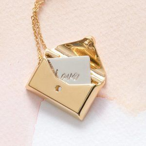 Capsul Jewelry